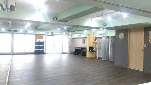 吉祥寺駅の近くにある広いレンタルスタジオです。